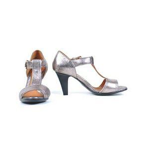 NWT Sofft Gredda T-strap heels